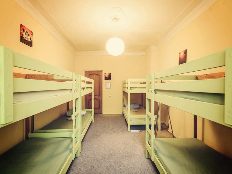 hostel vs home Hostel life v/s day scholar alliance - february 18 to the somewhat mundane act of taking a short nap in the hostel why should you choose to stay at home.